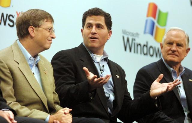 Trong năm 1997, tình trạng kinh tế của Apple nghèo nàn đến mức, CEO và nhà sáng lập của Dell là Michael Dell, một trong những đối tác lớn nhất của Microsoft, nói rằng nếu ông mà là Steve Jobs thì ông sẽ đóng cửa công ty và trả lại tiền cho các cổ đông.