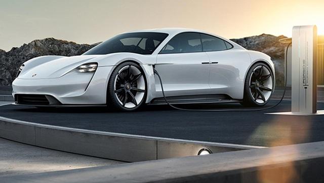 Porsche: Mission E của Porsche là mẫu siêu xe động cơ điện đầu tiên được dự tính đưa vào sản xuất chính thức.