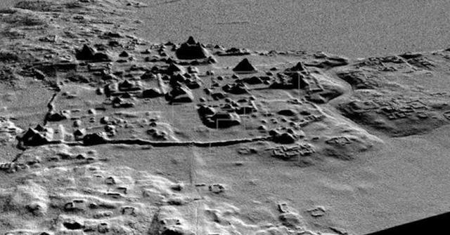 Trong khu vực kháo sát, các chuyên gia đã phát hiện ra nhiều thành phố, kim tự tháp và các công trình khác bao gồm hệ thống 17 con đường dài hơn 240 kilomet và rộng 40 mét được sử dụng để vận chuyển hàng hoá.
