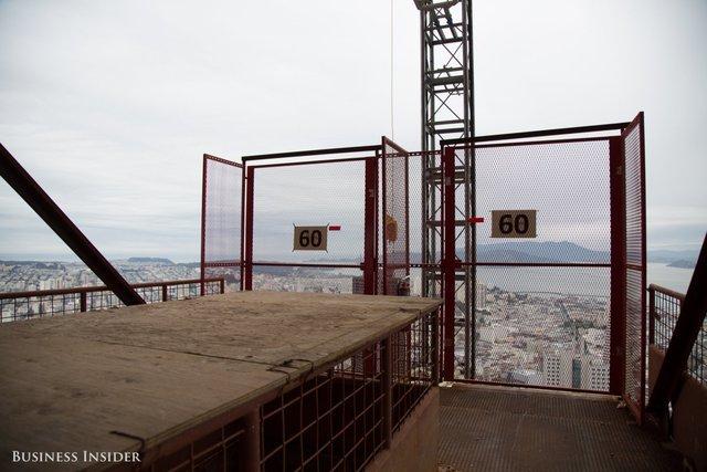 Tầng 60 của công trình vẫn đang trong giai đoạn hoàn thiện. Ảnh: Melia Robinson/Business Insider.