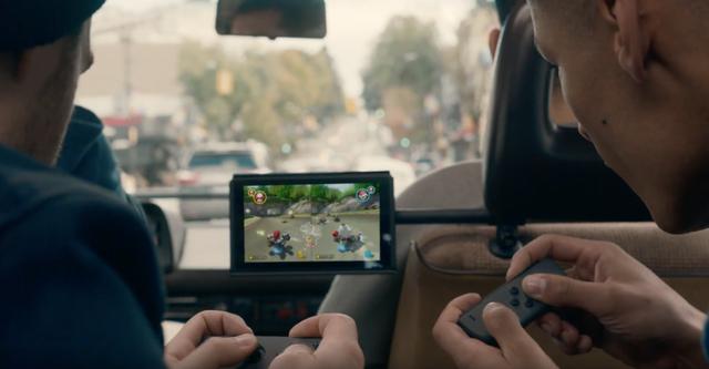 Máy Nintendo Switch được đánh giá là sự kết hợp giữa máy Console và máy cầm tay Handheld