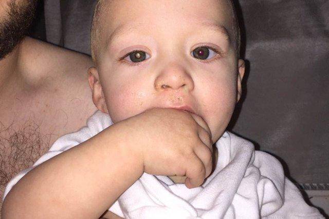 Bức ảnh chụp với đèn flash này và sự tinh tế của Owen đã cứu sống con trai anh
