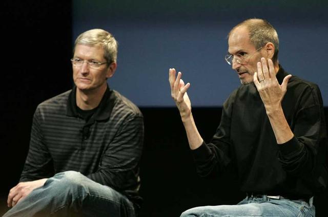 Năm 2009, Tim Cook được đề cử làm CEO tạm thời trong khi Jobs tìm kiếm các phương thức chữa bệnh. Kể cả khi Steve Jobs trở lại, thì Cook vẫn là người phát biểu tại các buổi thuyết trình của Apple.
