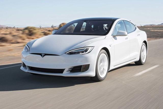 Nhắc đến xe điện, xe tự lái, người ta sẽ nghĩ ngay đến Tesla. Cũng giống như năm 2007, nhắc đến smartphone là nghĩ ngay đến iPhone, dù rằng Nokia cũng có smartphone.