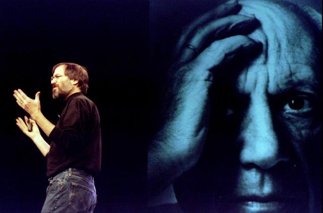 Tuy nhiên đầu năm 1998, lại ở hội nghị Macword Expo tại San Francisco, Jobs kết thúc bài thuyết trình của mình bằng thông báo huyền thoại đã đi vào lịnh sử của mình Còn một điều nữa: nhờ có sự chỉ đạo tài tình của Jobs và sự giúp đỡ của Microsoft, Apple đã thu được lợi nhuận trở lại.
