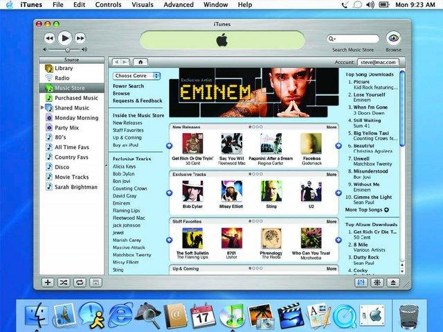 Apple chính thức mở cửa hàng âm nhạc iTunes Music Store vào năm 2003, với mức giá rất phải chăng, chỉ 0,99 USD một bài. Chính điều này đã biến nó thành trung tâm của mọi sự chú ý. Sau đó không lâu, cả iTunes và iPod đều đã tương thích với Windows, khiến cho họ thu về khoản lợi nhuận khổng lồ.