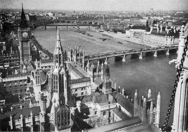 Khu Westminster thuộc London cuối những năm 1920.