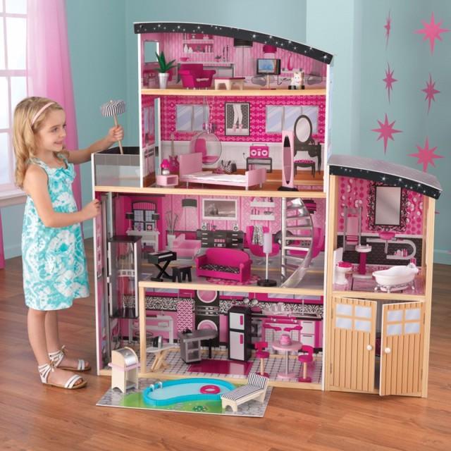 Bộ đồ chơi mà Alexa tự động đặt mua sau khi nghe yêu cầu từ cô bé 6 tuổi.