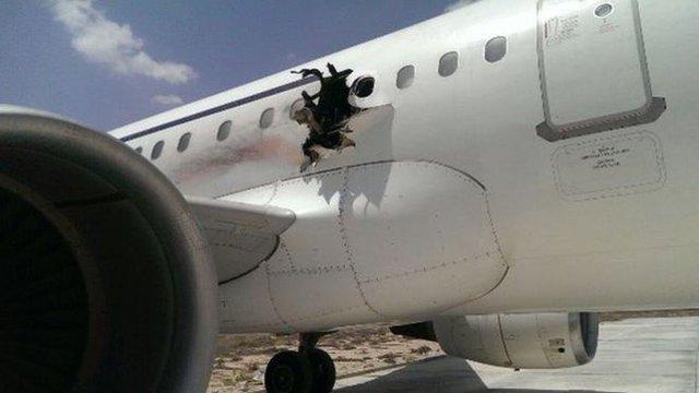 Vụ đánh bom trên máy bay tại Somali hồi đầu năm 2016.