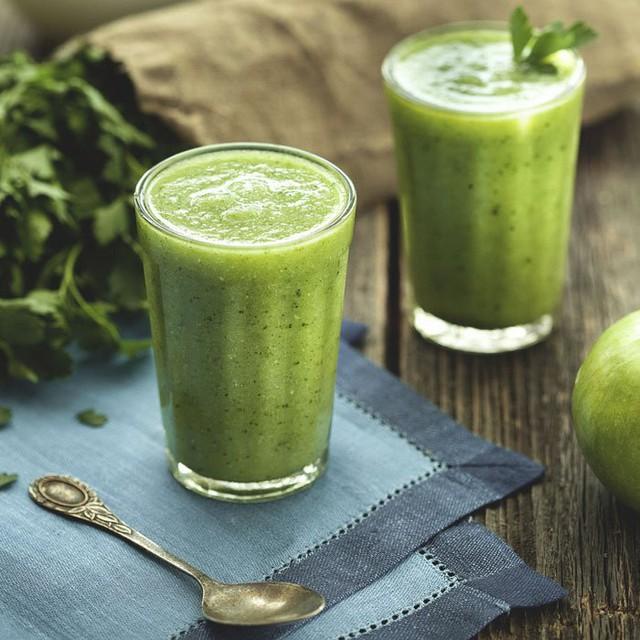 Bạn chỉ cần bắt đầu từ một sự thay đổi nhỏ, chẳng hạn như uống một ly sinh tố rau vào bữa sáng
