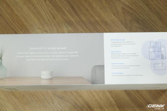 Cạnh còn lại của hộp gồm một số thông tin về sản phẩm