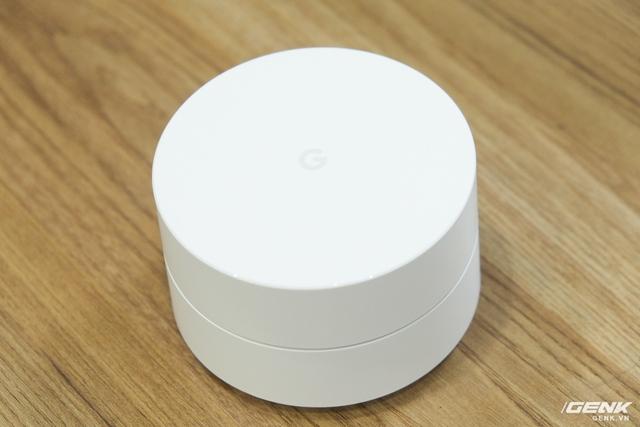 Google Wifi được làm hoàn toàn bằng nhựa trắng