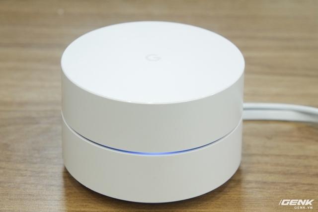 Khi đang cài đặt, đèn LED của Google Wifi sẽ sáng xanh