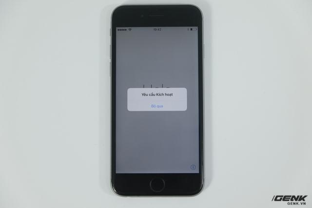 Khi cắm SIM ghép này vào, thay vì hiển thị bảng chọn nhà mạng như những chiếc SIM ghép trước đây thì nó sẽ tự động làm việc này và hiển thị màn hình kích hoạt của iPhone