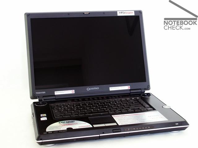 Qosmio G30, laptop đầu tiên trang bị ổ đĩa DVD.