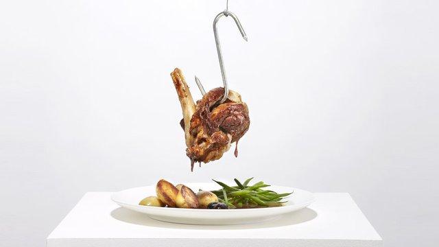 Các sản phẩm từ thịt có thể tàn phá cơ thể bạn theo nhiều cách