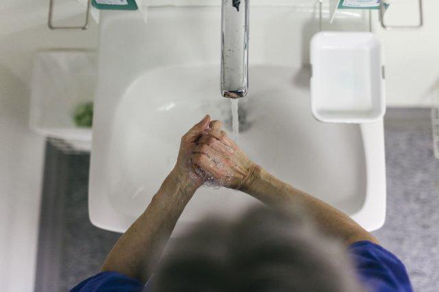Những siêu vi khuẩn chết người thoát ra từ đường ống chậu rửa tay