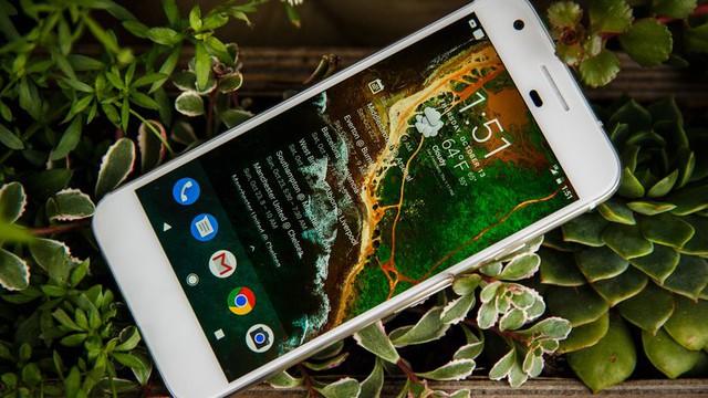 Pixel nhận nhiều lời khen ngợi từ giới chuyên gia và người dùng.