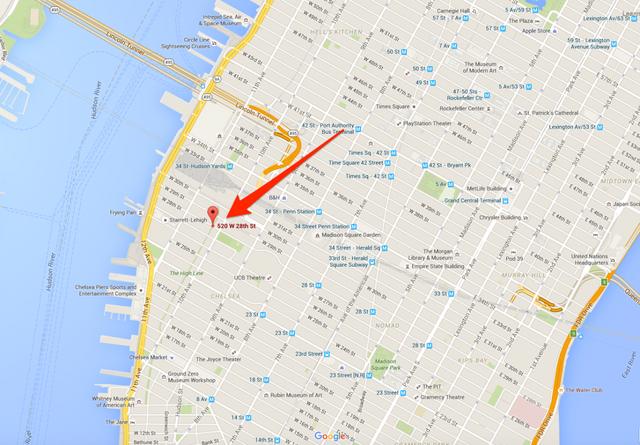 Tòa nhà cao 135 feet tọa lạc tại 520 West 28th Street về phía Tây của thị trấn Manhattan.
