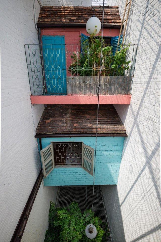 Ở góc độ này hình ảnh những ngôi nhà nhỏ ở Sài Gòn xưa hiện ra thật rõ nét