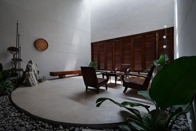 Phòng khách đơn giản nhưng ấm áp