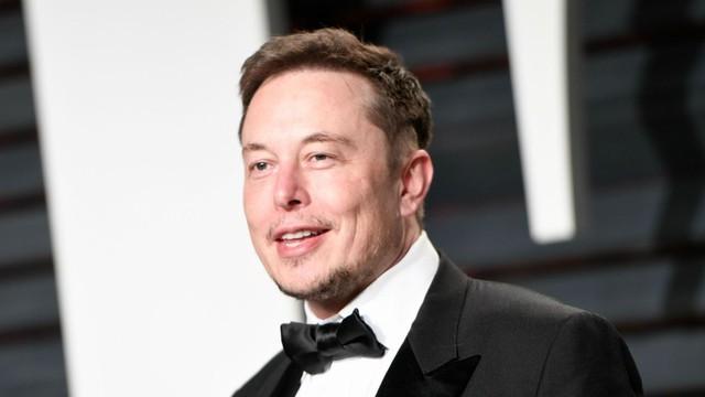 Elon Musk, CEO của SpaceX và Tesla, và sớm là CEO của Neuralink