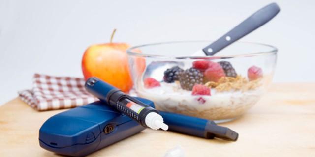 Hãy tưởng tượng, mỗi bữa ăn trong ngày của bạn đều phải đi kèm với một mũi tiêm trước đó 30 phút