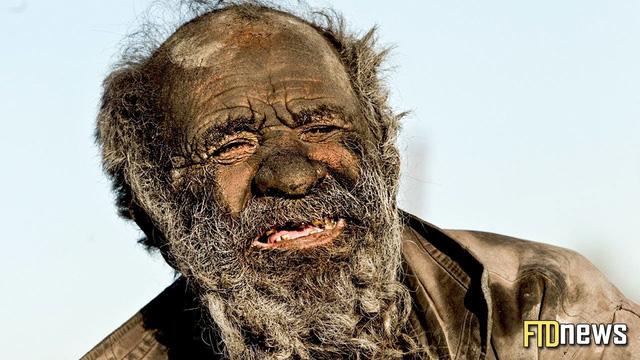 Không ai lạ lẫm với người đàn ông này nữa: Ông Amou Hadji ở Iran không tắm trong 60 năm do thất tình.