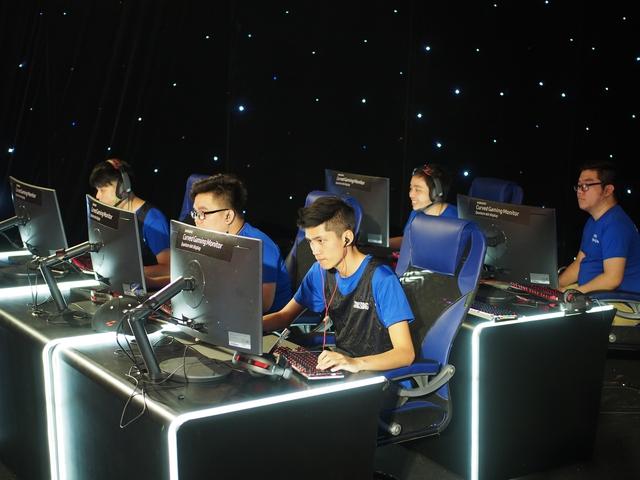Các đội game đang chuẩn bị tâm lý cho trận chung kết quyết định.