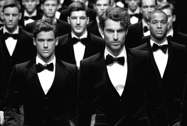 Đàn ông dễ dàng được vinh danh, được công nhận, được khen ngợi hơn phụ nữ.