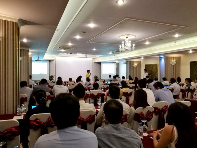 Quang cảnh buổi họp công bố kết quả kinh doanh QI/2017 của MWG - Ảnh: H.Đ