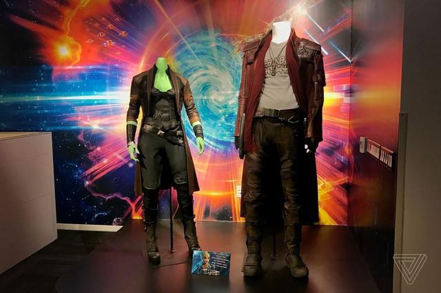 Bộ đồ của Gamora và Star-Lord.