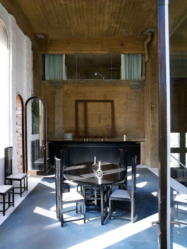 Bếp, phòng ăn được bố trí ở tầng một như nơi hội họp của cả gia đình