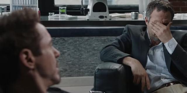 """Bruce Banner: """"Tôi có phải bác sĩ tâm lý đâu?"""""""