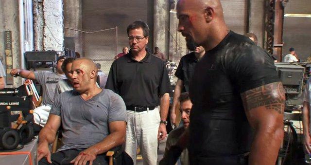"""Dwayne cuối cùng đã tìm thấy series phim dành cho mình, đó là phần 5 của loạt phim ăn khách """"Fast & Furious"""" - """"Fast Five"""" (2011), diễn xuất bên cạnh Vin Diesel."""
