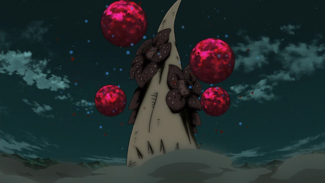 Dưới sự điều khiển của Obito Uchiha, thập vĩ có khả năng tạo nhiều bom Vĩ Thú xung quanh nó và bắn ra nhiều hướng khác nhau mà nó muốn.