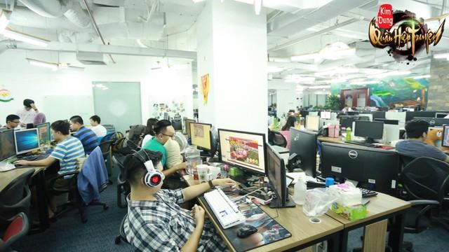 Chính game thủ là người trả chi phí hoạt động của đội ngũ làm game và phát hành