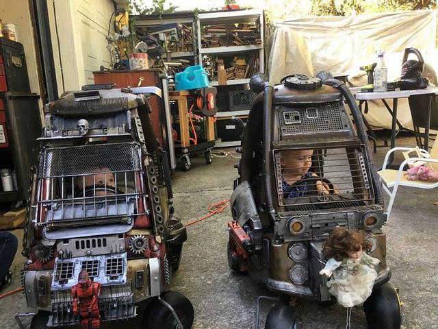 Được ngồi trong hai chiếc xe này tới vườn trẻ thật không còn gì oách bằng!