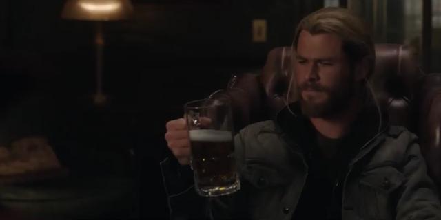 Thần Sấm chỉ thích uống bia thôi nhé!