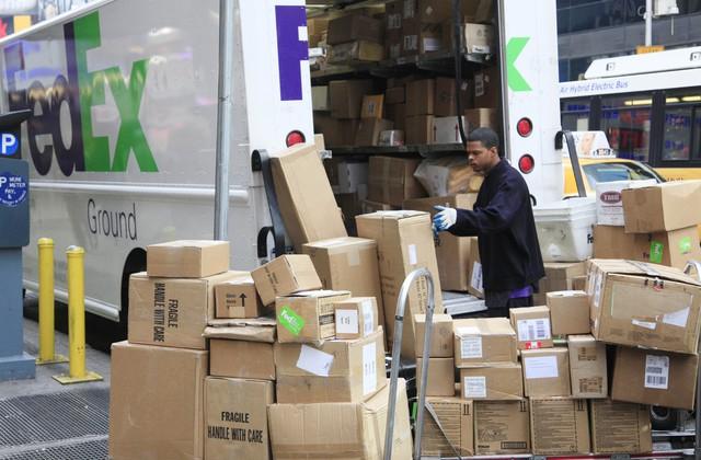Gã khổng lồ FedEx trở thành nạn nhân