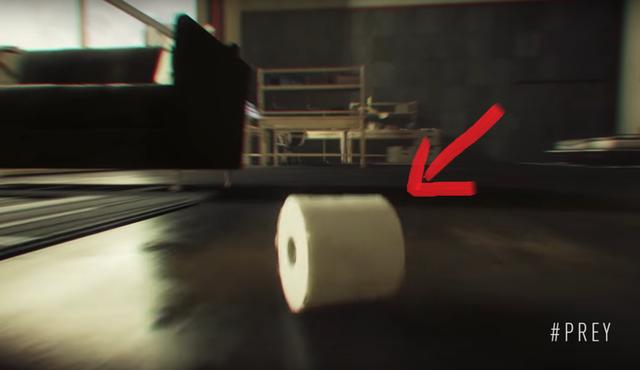 Nhân vật chính ở trong hình chính là cuộn giấy toilet.