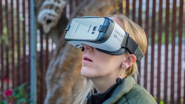 Con số 5 triệu mẫu Gear VR đến tay người dùng là một minh chứng quan trọng cho thấy thị trường smartphone có thể nên chuyển hình theo hướng kỳ dị hóa của PC.