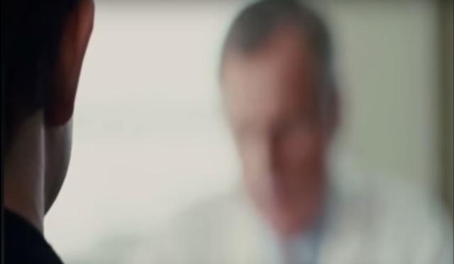 Phản ứng của Adam Lerner (Joseph Gordon Levitt) trong phim 50/50, khi anh nhận chẩn đoán ung thư