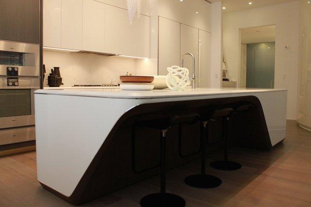 Thiết kế nhà bếp được làm từ đá cẩm thạch.