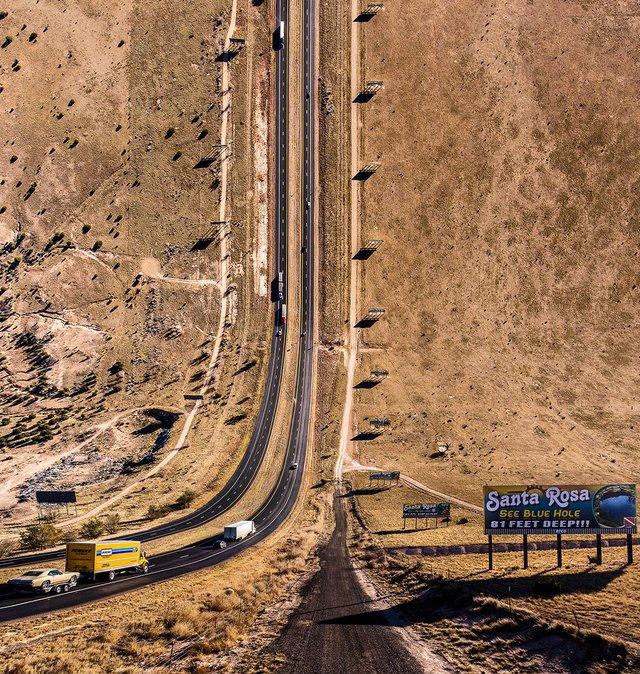 Sau đó, ông đi qua Arizona, Texas, California và New Mexico để chụp hình qua máy bay không người lái.