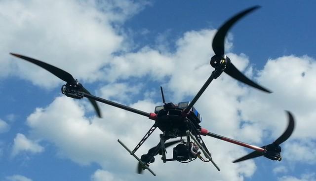 ... Loại thì giống drone.