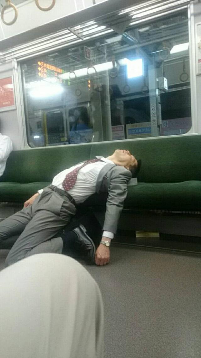 14 hình ảnh kỳ quặc mà bạn chỉ có thể nhìn thấy tại Nhật Bản - Ảnh 6.
