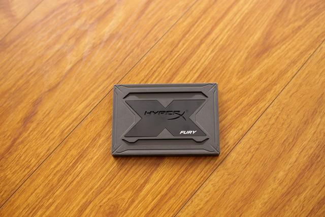 Kingston HyperX Fury RGB - Chỉ là SSD tốc độ cao thôi mà, có cần phải đẹp đến thế này không? - Ảnh 3.