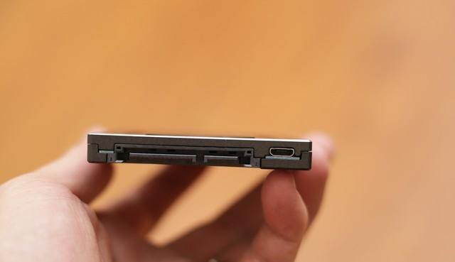 Kingston HyperX Fury RGB - Chỉ là SSD tốc độ cao thôi mà, có cần phải đẹp đến thế này không? - Ảnh 7.