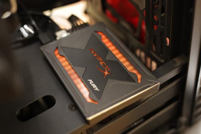 Kingston HyperX Fury RGB - Chỉ là SSD tốc độ cao thôi mà, có cần phải đẹp đến thế này không? - Ảnh 11.